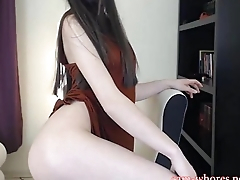 Petite sexy Emma feels herself all over