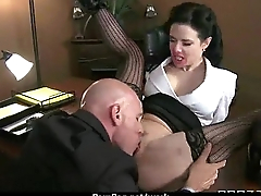 Office assistant shows her boss her flexibility 3