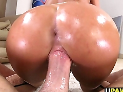 PAWG Ceremonious Ames orgasms on the dick
