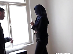 Rich muslim lady Nikky Fantasize wishes to buy apartments in Prag
