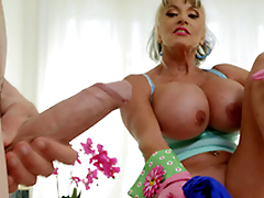 Mature indulge Sally D'Angelo wants alongside play with Jordi's hard cock
