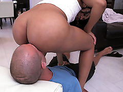 Jayla Foxx plants her thick irritant on his face for a pussy licking
