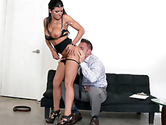 Stunning MILF Romi Rain strips so pauper could worship her XXX body