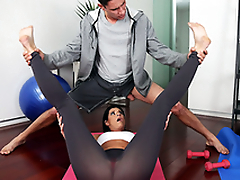 Long-haired MILF India Summer sweats during XXX yoga with the coach