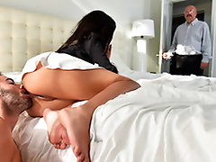 Stepdad is at home but it won't prevent Aaliyah Hadid from XXX session