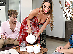 Abigail Mac finds the opportunity to enjoy XXX fun even in stepmom's house