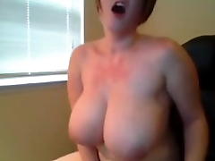 BBW camgirl masturbates in her computer chair in public chat 202CAMGIRLZ.COM